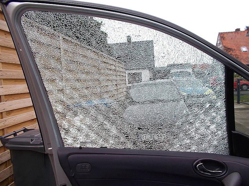 Frau sucht auto über radio [PUNIQRANDLINE-(au-dating-names.txt) 57